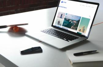 Glaciar Lite – Free simple porfolio WordPress theme